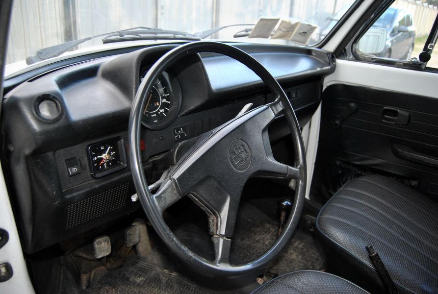 Rent A Porsche >> VOLKSWAGEN (D) MAGGIOLONE CABR. 1302/1303